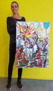 Micha-de-Ruwe-met-schilderij-koningin-Paramaribo-260x440